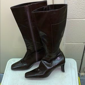 Brown leather boots size 7